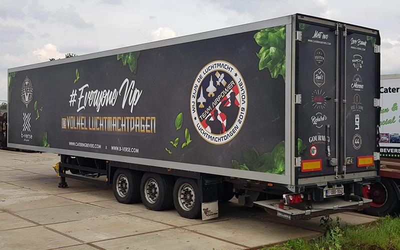 Bestickering van een vrachtwagen voor Bevers