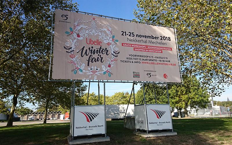 Publibox met reclame voor Libelle in de Nekkerhal te Mechelen